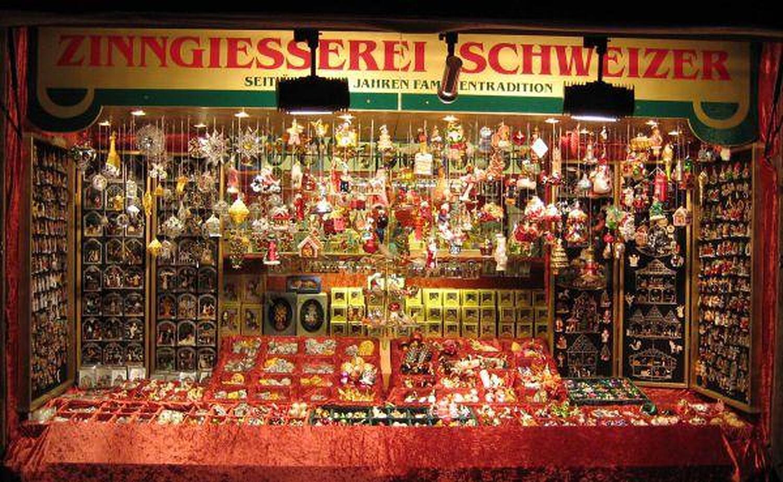 Weihnachten bei Münchner Puppenstuben, Einkaufen in München